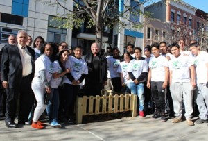 Assemblyman Joe Lentol, NBDC Director Richard Mazur and the students pose by the Huron Street Tree Box. Photo by  Tanay Warerkar
